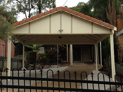 This Brisbane double carport was built on a challenging site, but the result was well worth the effort.