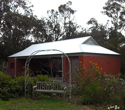 A Melbourne carport in a bushfire prone area of Warrandyte, in Melbourne's North East