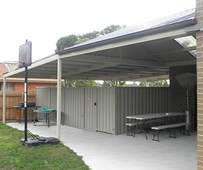 An Adelaide carport that doubles as an entertainment area? Now that's a great idea!